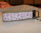 Wristlet key fob white with pink floral