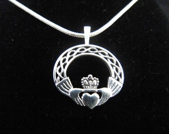 Beautiful Sterling Silver Claddaugh Celtic Irish Necklace