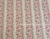 CTMM024 -1 Meter Quilt Cotton Fabric- Floral  fabrice, sample and classical design - cream Pink  grounding.