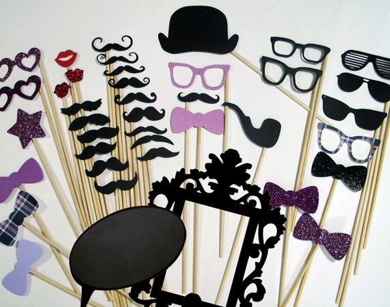 Purple Photobooth Props - Everything you need for the perfect Photo Booth - Includes Ornate Frame and Conversational Bubble