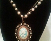 Lolita cameo necklace