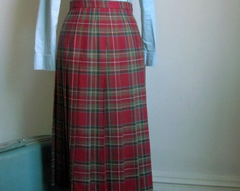 Skirt Vintage Red Plaid Wool by Deans of Scotland Size 10