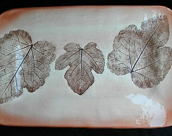 Serving Tray with real fig leaf detail in Autumn Brown.