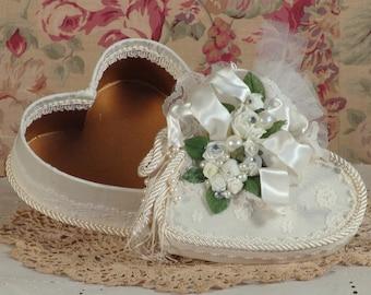 Victorian Keepsake / Trinket / Hat  Box - Small Heart- Vintage Style - Hand Decorated