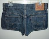 SALE Levis dark denim shorts blue jean size 32/33