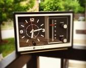 Vintage 1970s GE Alarm Clock - Works