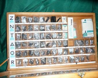 Pelikan Graphos store display and 1 full Pelikan Graphos set