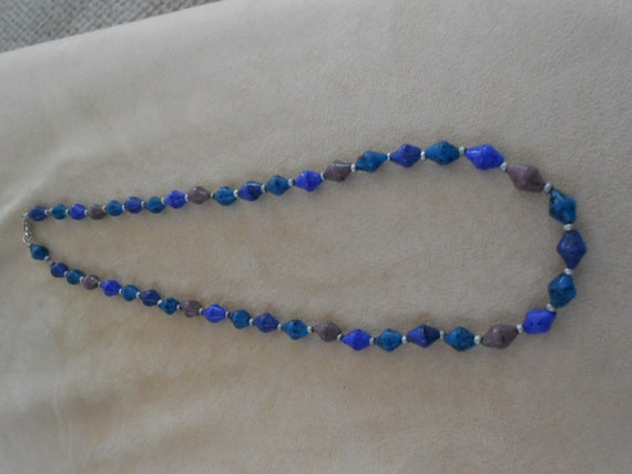 Vintage bead necklace pretty blues tan 24 inches long