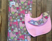Heart-bib made of flannel and pul, absorbent, waterproof and reversible- perfect for your baby or the ultimate baby gift at a baby shower