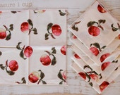 Set of 6 Vintage Table Napkins - Apples & Cream Print