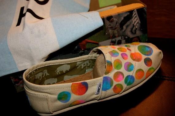 TOMS Shoes- Crazy Dots