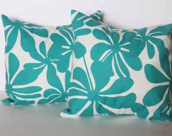 CLEARANCE - Free shipping - 18 x 18 Turquoise Twirly and White Flowers Pillow Cover - Premier Prints