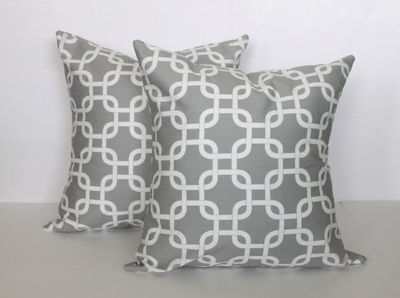 ONE - 18 x 18 Grey and White Gotcha Chain Link Pillow Cover - Premier Prints