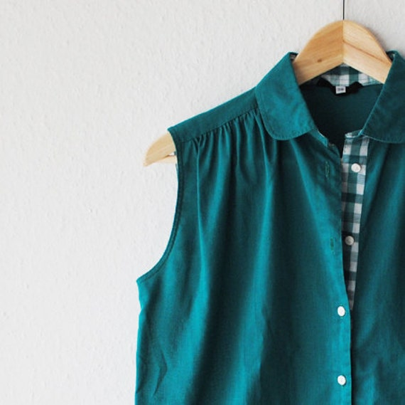 Green Womens Blouse/ Shirt -Peter Pan Collar -Sleeveless -Medium -Vintage