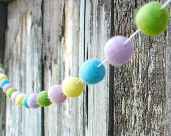 Spring Easter Felt Ball Garland, Pom Pom Garland, Nursery Decor, Bunting Banner, Party Decor, Baby Shower