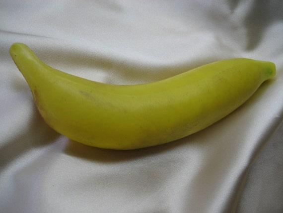 Banana Rhythm Shaker - Auxiliary Percussion Hand Instrument