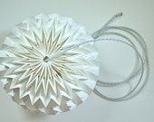 "Hanging LED lamp w/ remote control - 16 COLORS : origami paper ""bubble"""