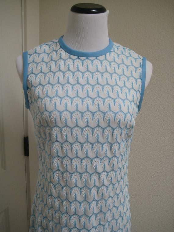 Pretty Light Blue and White Machine Knitted 60's Retro Summer Dress Sleeveless Vintage Summer Short Dress Medium