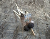 Lapel Pin Boutonniere Button Hole, Rustic Wedding for the Groom, Feather and Felt Flowers and Burlap, Needle Felted Men's Men