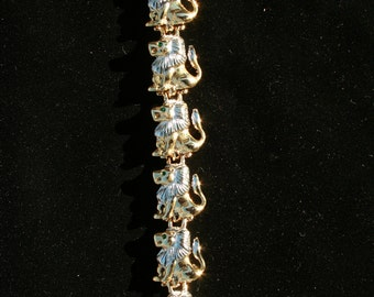 Lion Shoulder Pin Brooch Pride of Lions Vintage Statement Brooch