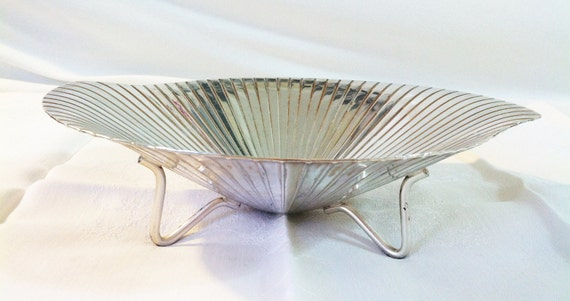 Vintage art deco style ashtray or jewelry dish, silver plated