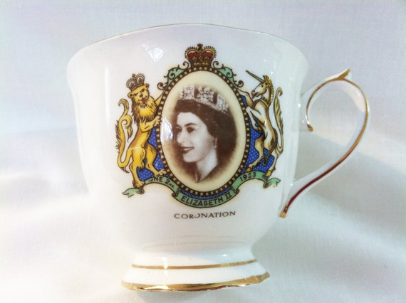 Vintage Royal Albert Queen Elizabeth II Coronation teacup (1953)