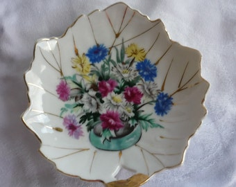 Beautiful Hand Painted Mini-Decorative Plate Made in Japan