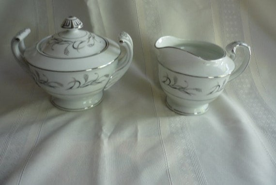 Lovely Harmony House Sugar and Creamer in Platinum Garland