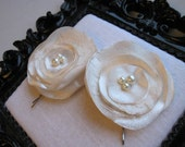 Set of 2 Satin and Lace Ivory Rose Poppy Flower with Pearls Bobby Pins Hair Clips/ Wedding / Bridesmaid / Photography op