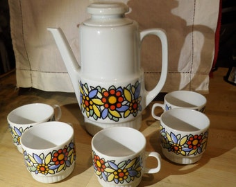 Bareuther Waldsassen, Bavaria, Germany  Coffee/Tea Pot and 5 cups