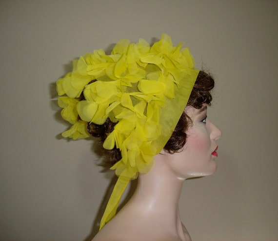SUNNY Late 1950s Puffy Yellow Head Scarf