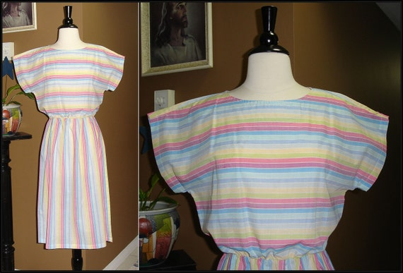 A DOUBLE RAINBOW / 1980s / Rainbow Horizontal Stripe / ModCloth style / Sun Dress / Small / Medium