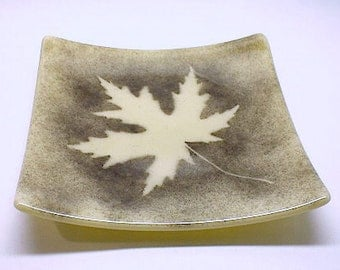 Fused Glass Plate - Leaf Silhoutte - CIG20080402