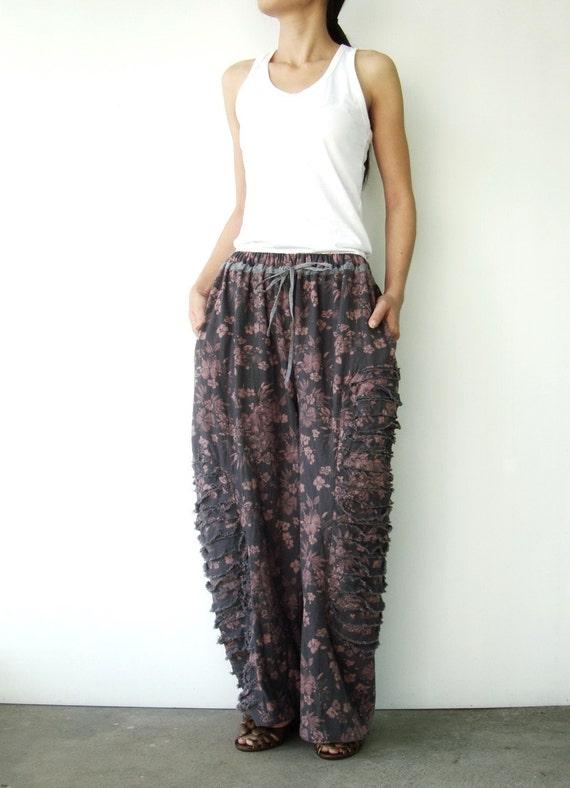 NO.35   Grey/Pink Cotton Floral Printed Pants