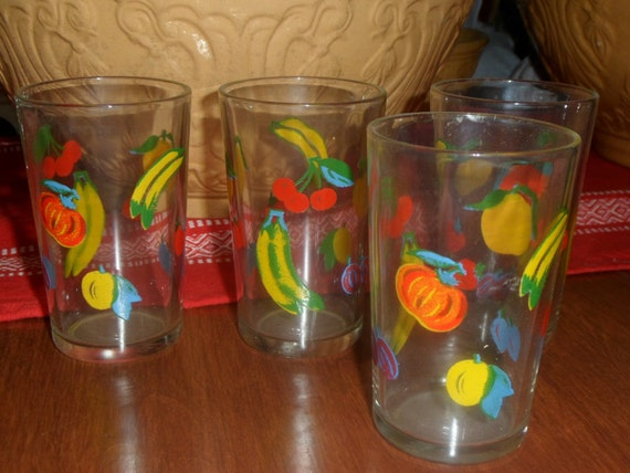 Vintage Juice Glasses With Fruit Design