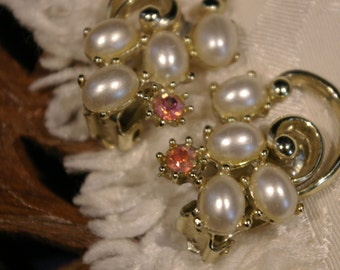 Vintage 1950s Oval Shaped Faux Pearl with Multi-tone Rhinestones Clip On Earrings with Swirl Gold Tone Signed Patent Pending