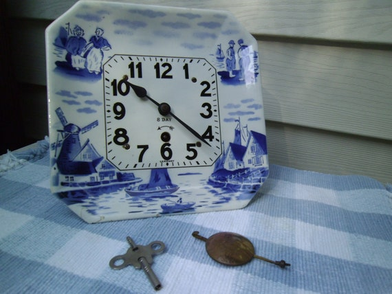 Blue & White Windmill porcelain 8-day wall-hanging pendalum clock
