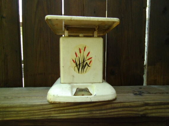 1930s Cattail Kitchen Scale to match Universal Potteries cattail dishes