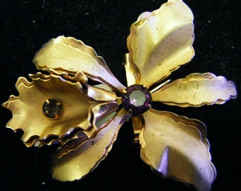 Vintage Unique Gold/Brass Flower Pin with Amethyst or Purple Gems