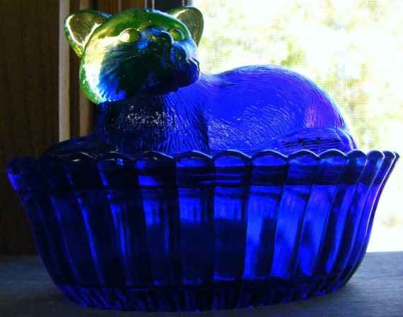 Westmoreland Cat on Basket Cobalt Glass Dish and Cover