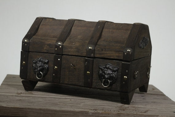 Wooden Brown Jewelry Pirate Treasure Chest Box.