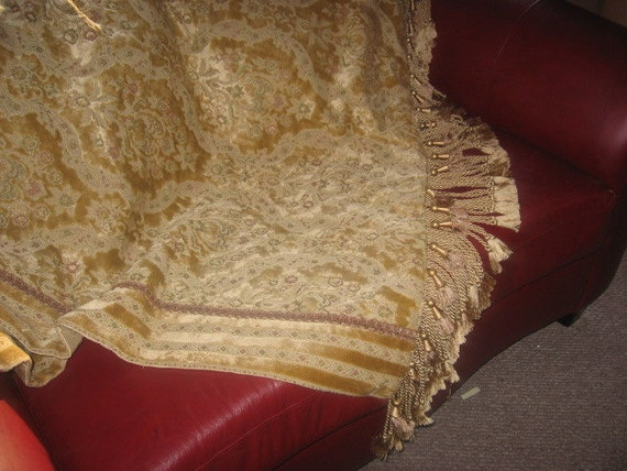 Silk Lined   Brocade Accent  Throw