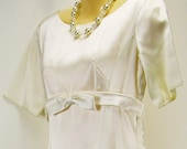 Classic - Chic vintage 60s Heavy Satin - Train - Bow Cream Formal Prom Wedding gown Dress