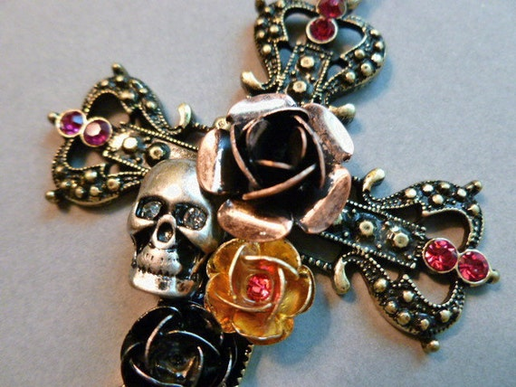 Steampunk Cross of Roses with Skull and Crystals with FREE Neckchain