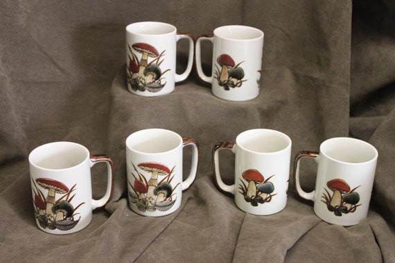 Set of 6 - Vintage 1960's OTAGIRI JAPAN Mushroom and Clover 8 oz. Mugs /  Mug Set