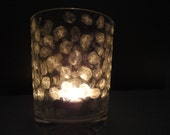 FLINGA Igloo: Natural white snowfall in a tea light candle holder of glass