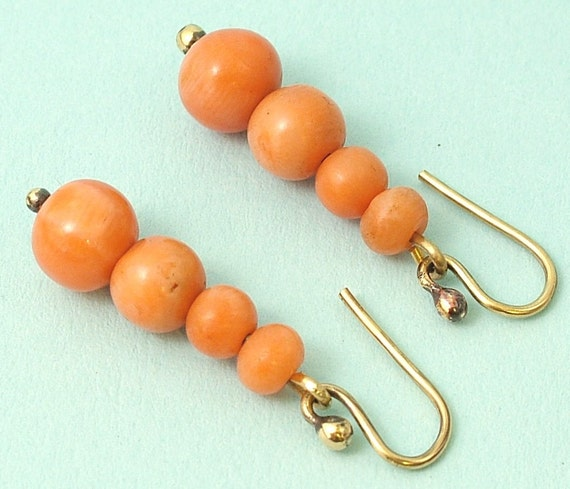 Antique Victorian 1800s, 18ct / 18k gold & real coral earrings