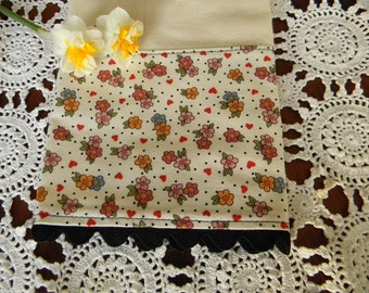 Kitchen Towel Country Cotton Muslin Kitchen dish Towels Flowers and hearts Ric Rac Handmade