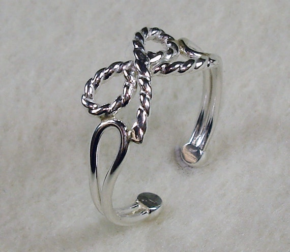 Cute Bow Adjustable Toe Ring Made in Sterling Silver