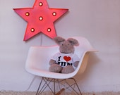 Pink star sign lamp